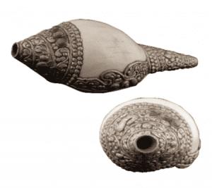 Ritual Muschelschale mit Metallverzierung - Puja