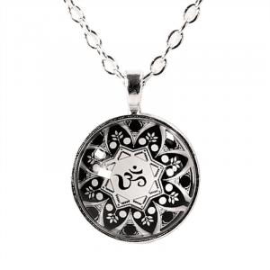 Halskette OM Mandala
