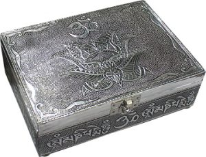 Schmuckschatulle mit Weißmetall - Om Mani Padme Hum