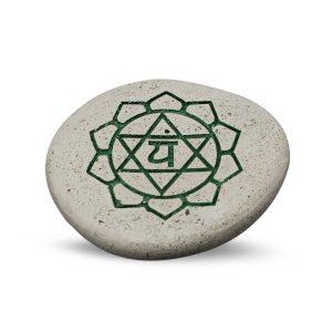 Kieselstein graviert Chakra (grün)