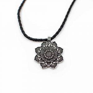 Tibetisches Mandala OM-Anhänger - Silberfarben