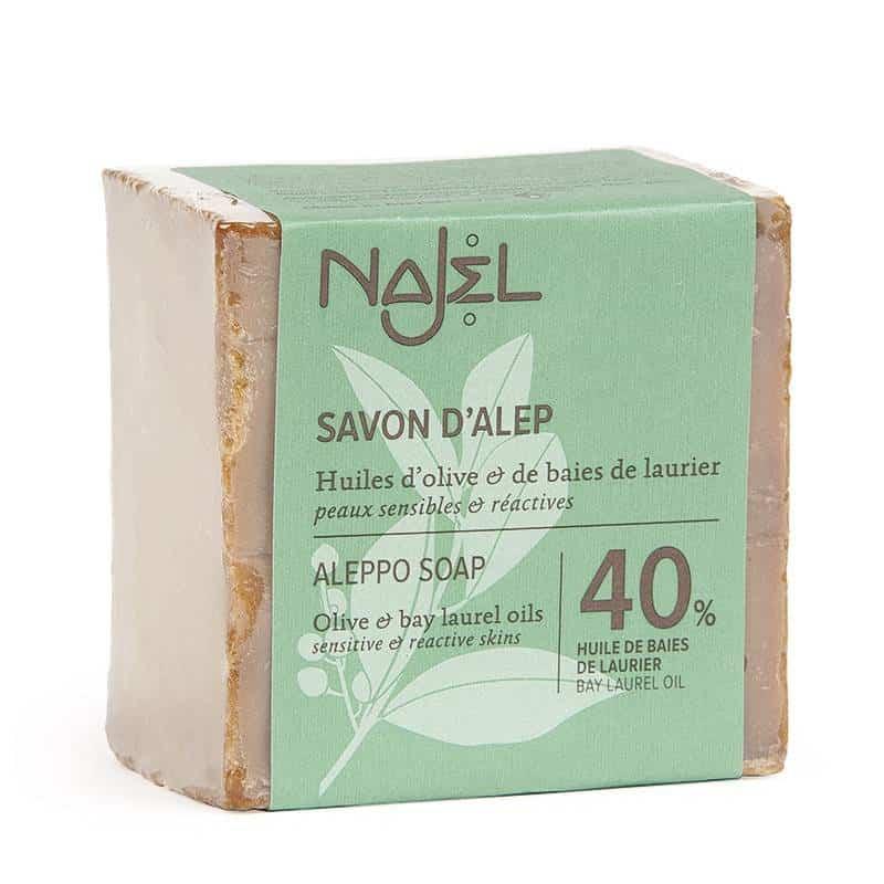 Najel Aleppo Seife auf weißem Hintergrund