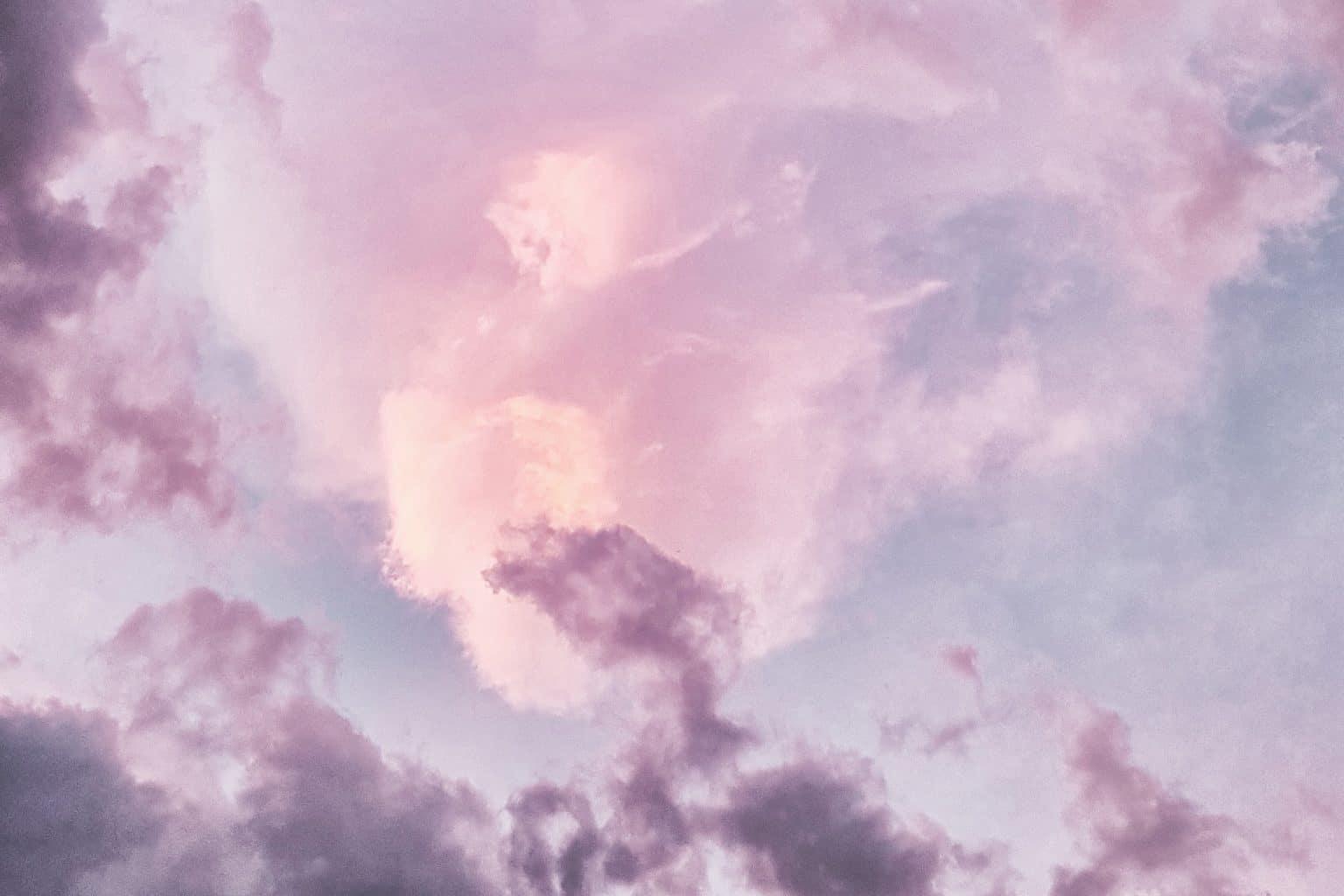 Lila Wolken Rosa Himmel
