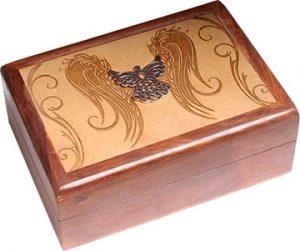 Schmuckkästchen mit eingraviertem Engel (17,5 x 12,5 x 6 cm)