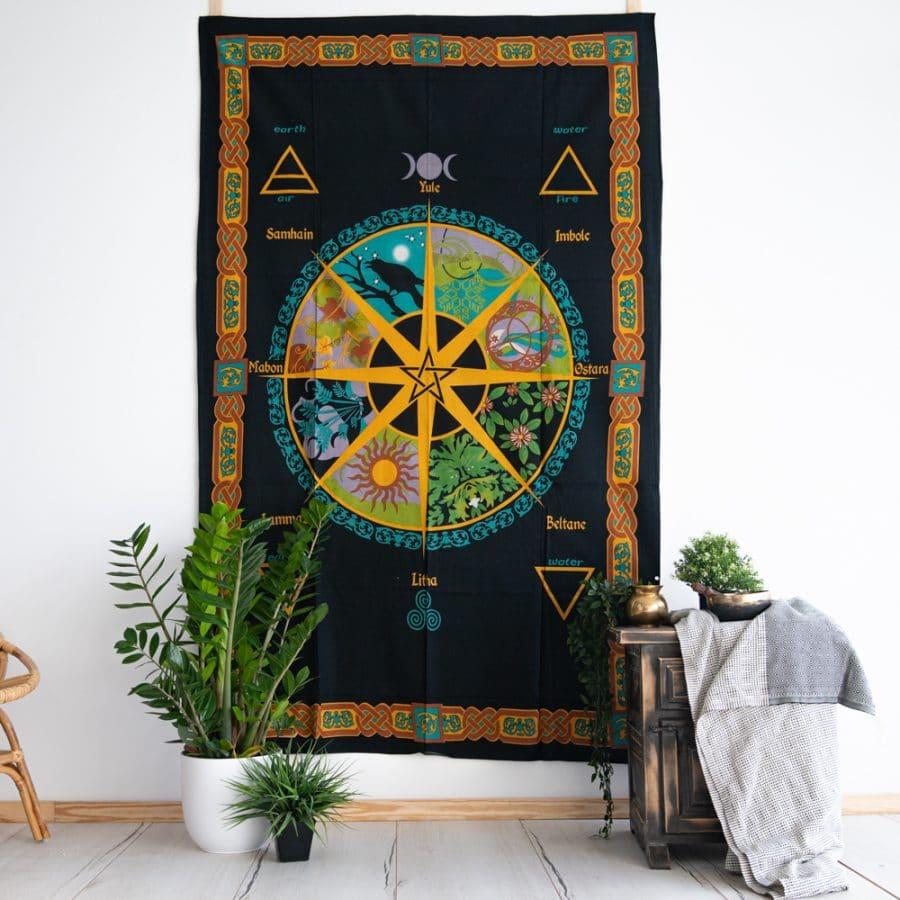 Wandtuch pentagramm schwarz gelb bunt und pflanzen